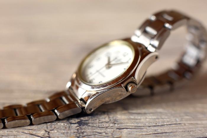 修理完了保証書の付いた時計