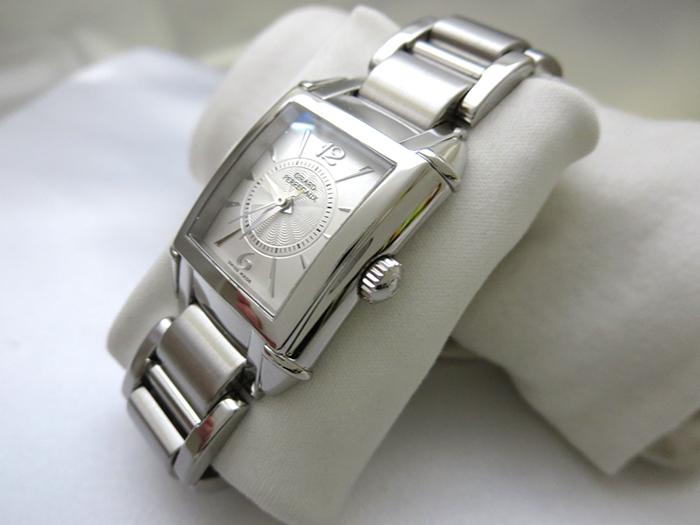 クリーニング前の腕時計